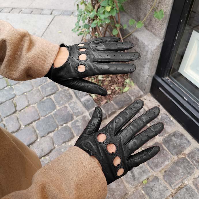 Handsker er altså også en god gaveide til kvinder, så det er ikke dumt at kunne fortælle andre din handskestørrelse.